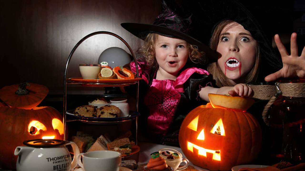 Grand-Central-Halloween-Family.jpg