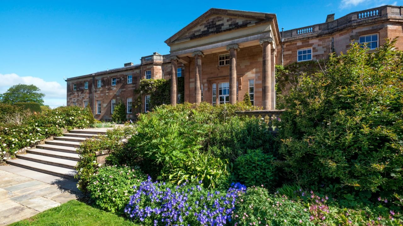 Hillsborough Castle and Gardens in summer